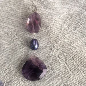 Jewelry - Amethyst and pearl pendant